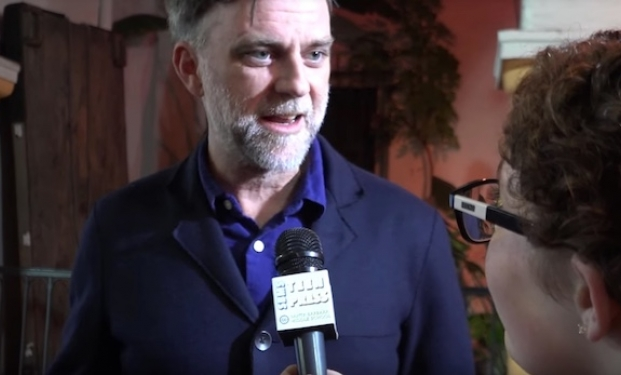 Paul Thomas Anderson intervistato da due giovani studentesse