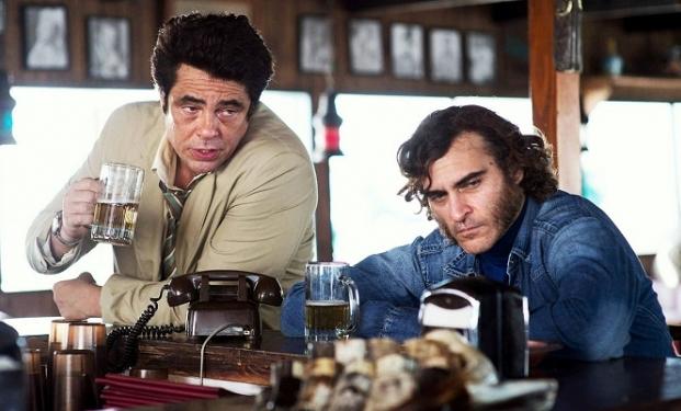 Benicio Del Toro e Joaquin Phoenix