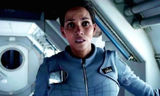 Halle Berry in Extant, serie tv prodotta da Steven Spielberg