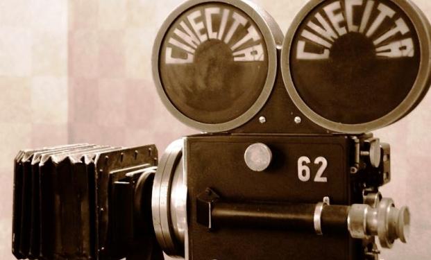 Una cinepresa degli anni Quaranta