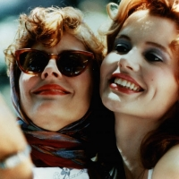 "Geena Davis con Susan Sarandon in ""Thelma & Louise"""