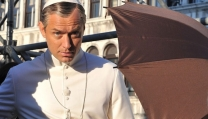 """Jude law in """"The Young Pope"""""""