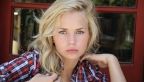 Britt Robertson nel cast di The Longest Ride