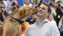 Kornel Mundruczo con un cane protagonista di White God