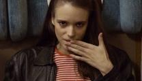Stacy Martin e Tom Hiddleston nel nuovo film di Ben Wheatley, High-Wire, Il Condominio, tratto da un romanzo di Ballard