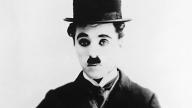 Charlie Chaplin nei panni di Charlot