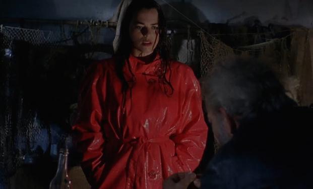 Louise Salter in Dark Waters di Mariano Baino