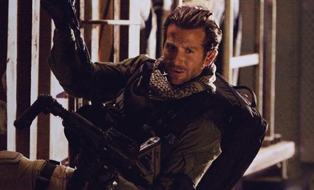 Bradley Cooper in American Sniper di Clint Eastwood