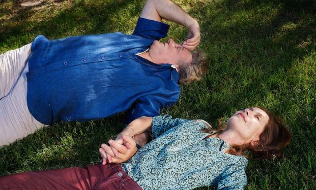 "Gerard Depardieu e Isabelle Huppert in ""The Valley of Love"""