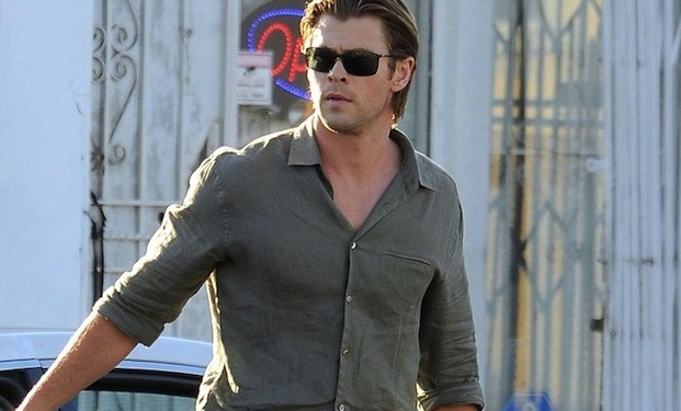 Chris Hemsworth sul set di Cyber, nuovo film di Michael Mann
