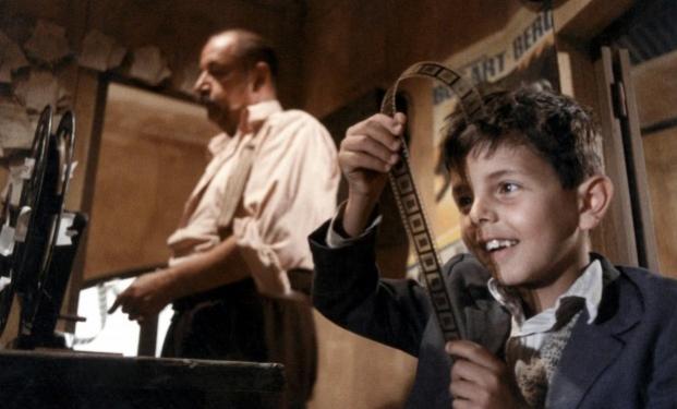 """una scena di """"Nuovo Cinema Paradiso"""""""