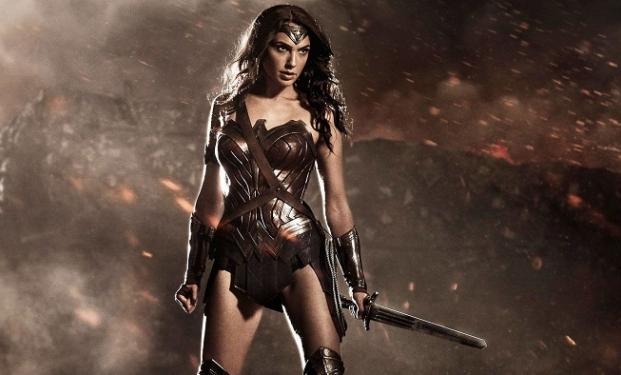 Wonder Woman: Gal Gadot è pronta alla battaglia in una nuova immagine